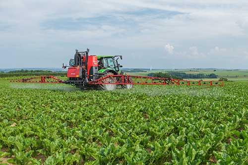 kverneland-feldspritze-agrartechnik-jedinger